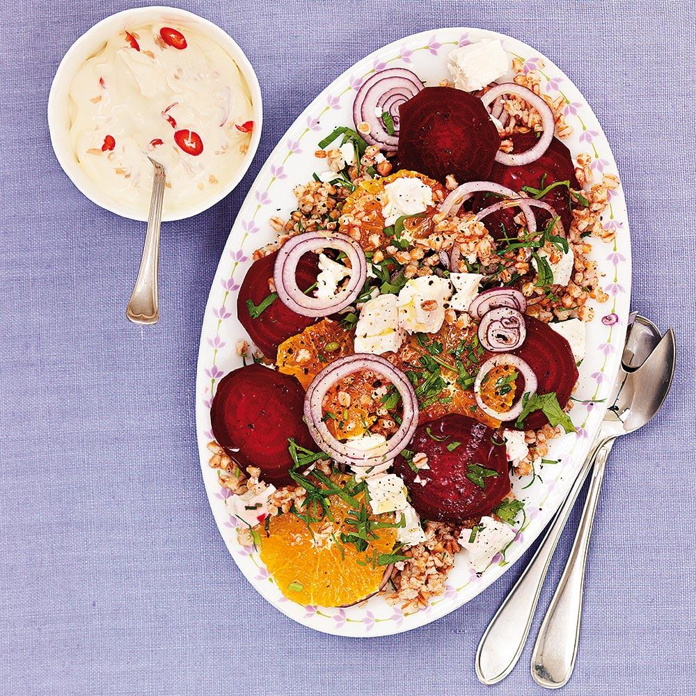 Rödbetssallad med matvete och fetaost