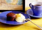 Svensk chokladbakelse med apelsinglass