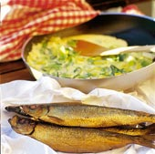 Gräddstuvad purjo till rökt fisk