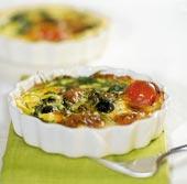 Spännande paj med fetaost, oliver och ruccola