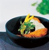 Bakad sötpotatis med fetakräm
