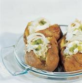 Bakad potatis med böcklingröra