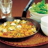 Curryris med rökt lax och ägg
