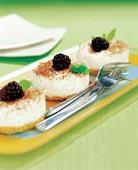 Frusen cheesecake med björnbär