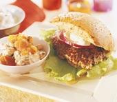 Hamburgertallrik med goda tillbehör