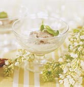 Matjessill i basilika- och vitlökssås