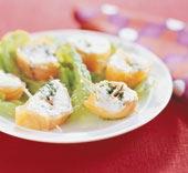 Laxrullar med ruccola och ädelost