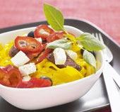 Saffranspasta med chorizo och feta