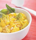 Saffransblomkål med pinjenötter och russin