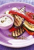 Grillade grönsaker med fetaostmousse