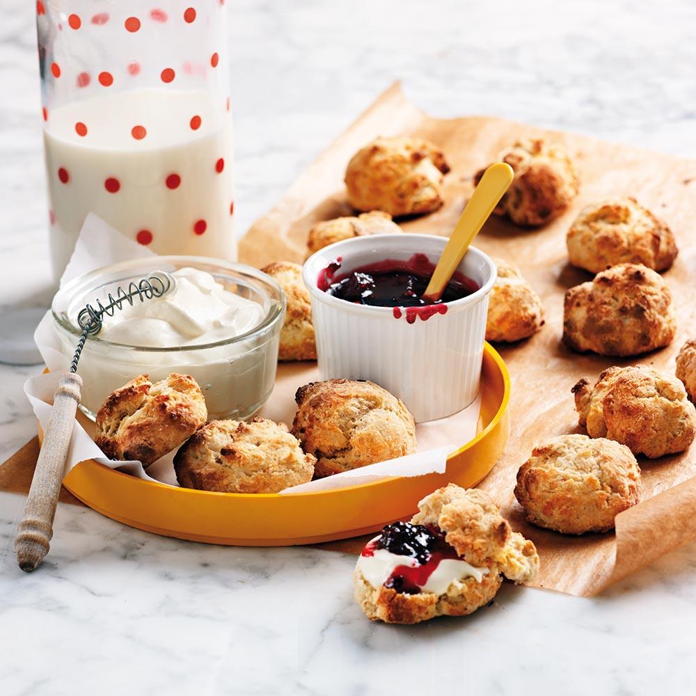 Miniscones med crème fraiche