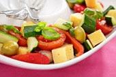Marinerade medelhavsgrönsaker med Västerbottensost