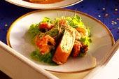 Gourmetlaxrulle med kräftstjärtar