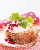 Rulltårta med lingongrädde