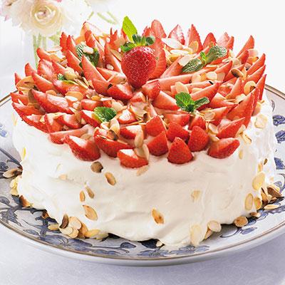Laktosfri jordgubbstårta