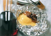 Grillad Västerbottensost med hjortronchutney