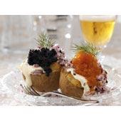 Västerbottens-potatis med rom, créme fraiche och rödlök