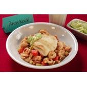 Stekt spätta med tomatpasta, avokado- och kesocrème och kålsallad.