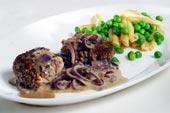 Köttfärsbiffar med krämig lökröra