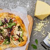 Pizza med Herrgård® kyckling sesam och chiliolja