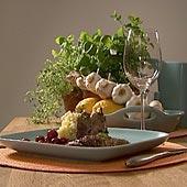Krispig gräsand i gryta med potatis- & sellerimos samt rårörda krusbär